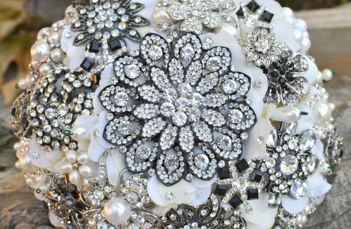 Snowflake Inspired Bridal Brooch Bouquet