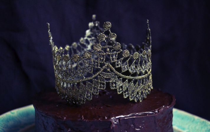 Regal Wedding DIY Crown Cake Topper