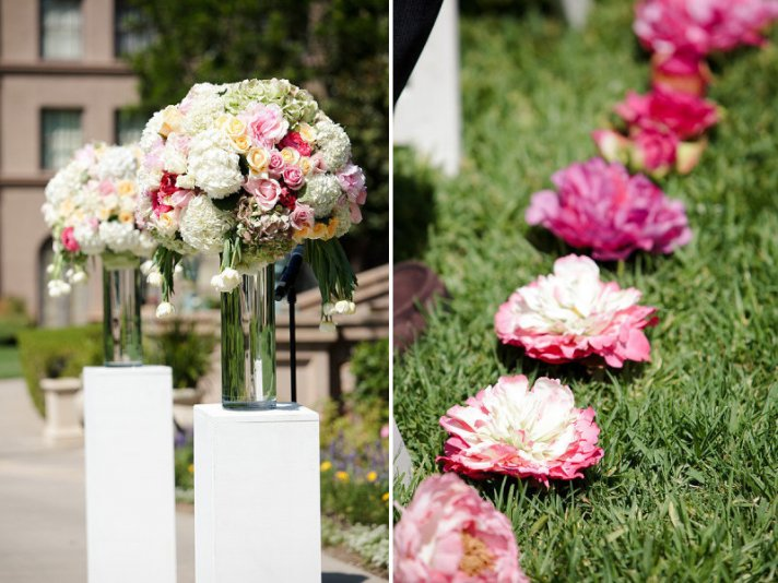 10 creative ways to line the wedding ceremony aisle