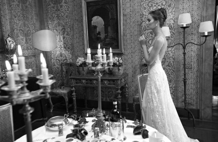 Low Back Romantic Lace Wedding Dress