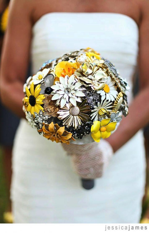 Brooch wedding bouquet yellow gold black