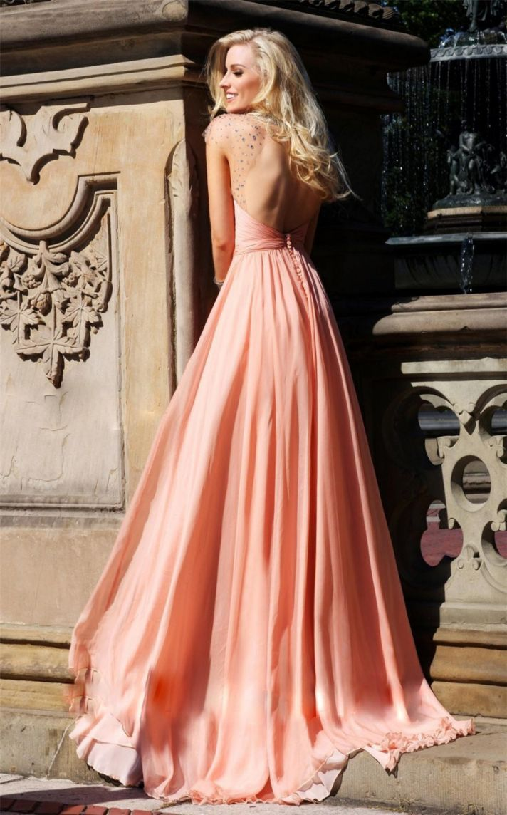 25 Bridesmaids' Dresses Perfect for Spring | OneWed