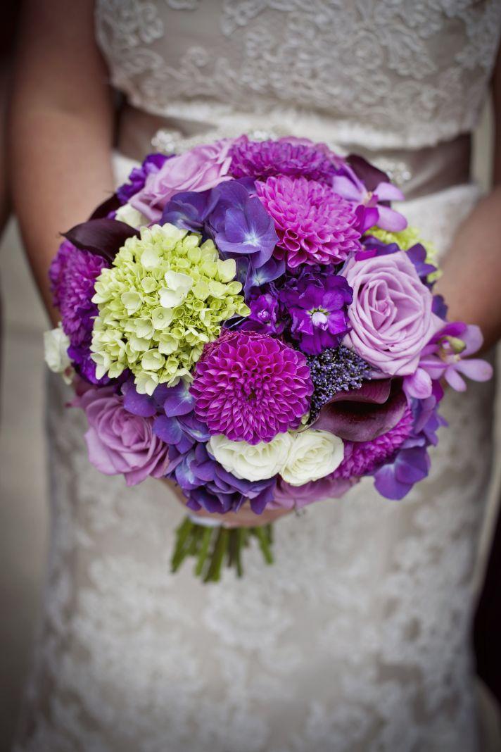 Bright fuschia bridal bouquet