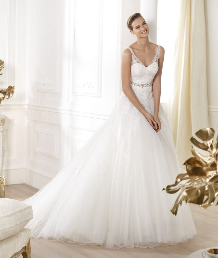 Pronovias wedding dress pre 2014 Glamour bridal collection Lauris