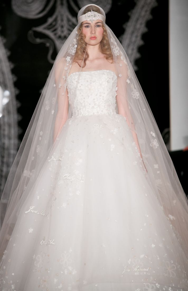 Beautiful bridal details at Reem Acra 23