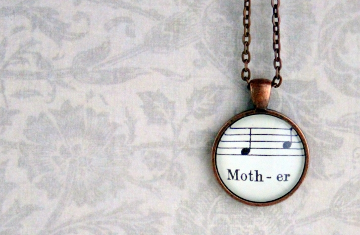 Mother music pendant necklace