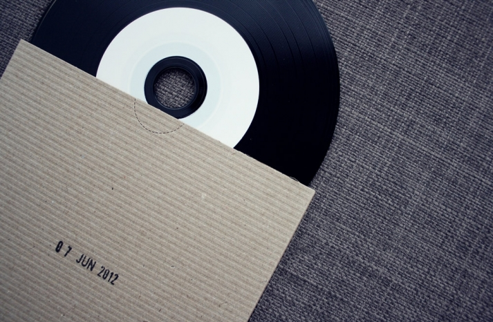 Vinyl record wedding favors