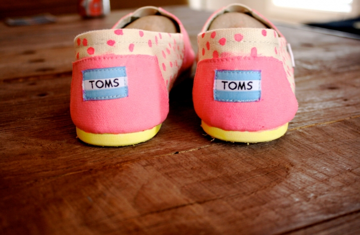 Glow in the Dark wedding toms