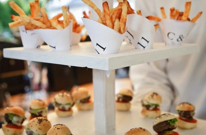 fancy comfort food top wedding trends