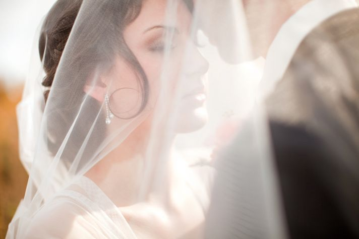 rustic barn wedding IL photographers romantic couples shot