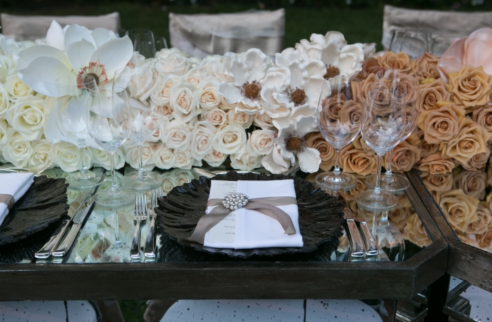 color blocked wedding flowers for elegant receptions