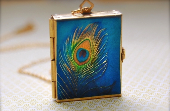 Peacock pendant for bridesmaids