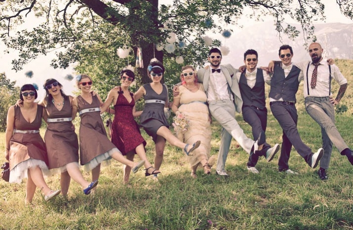 retro groom with wedding party