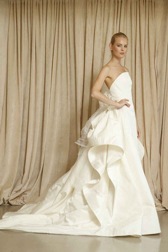 Oscar de la Renta wedding dress Fall 2014 7