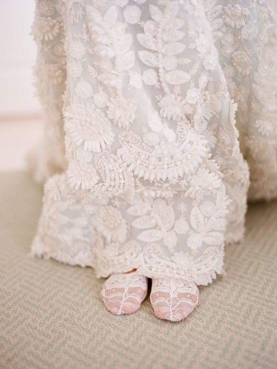 crochet Oscar de la Renta wedding dress