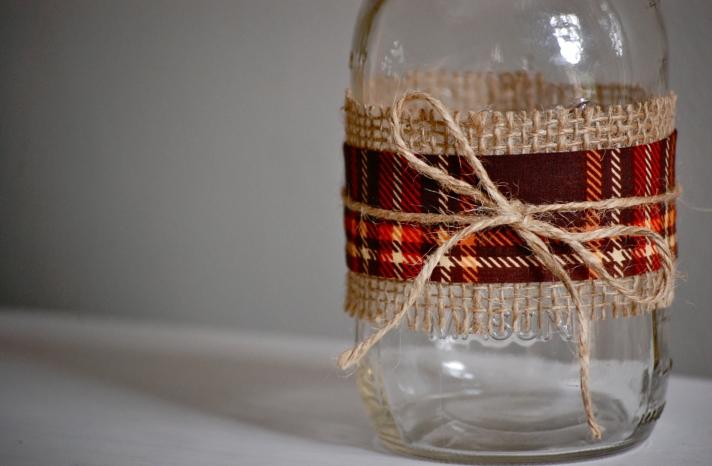 plaid and burlap wrapped wedding mason jars