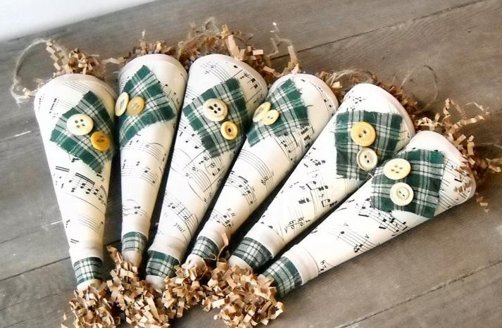 plaid adorned cones for fall wedding exits