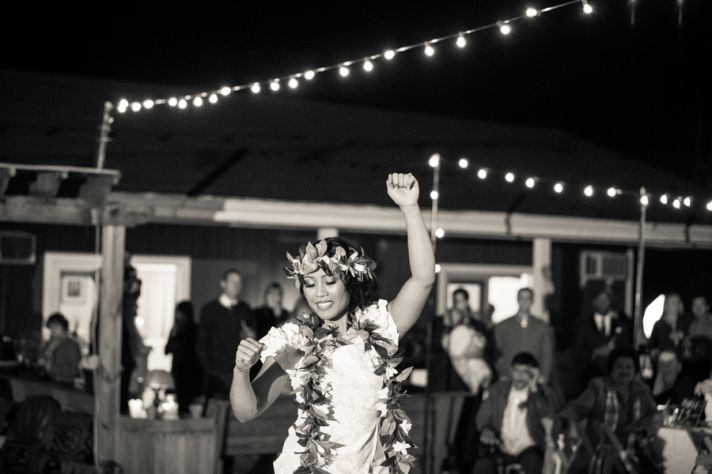 Bride performs traditional Hawaiian dance at reception