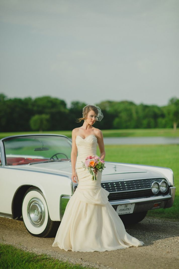 Vintage car for a beautiful bride