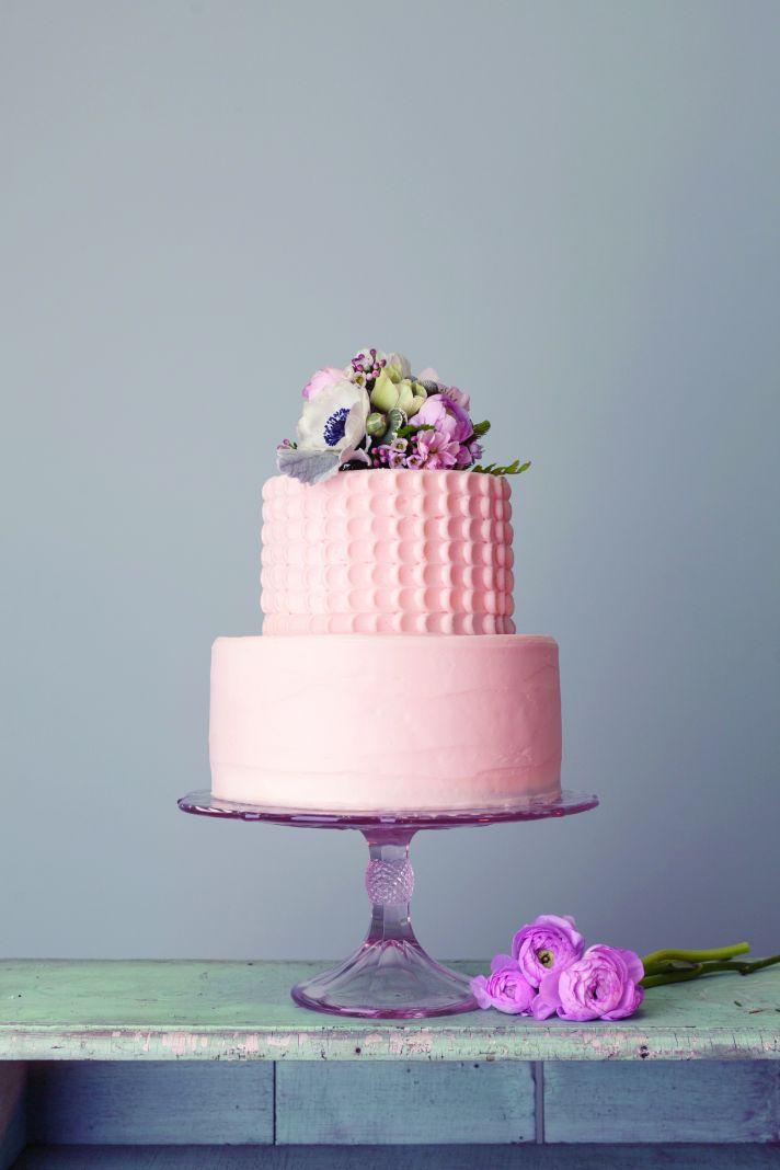 Gorgeous peach wedding cake from Magnolia Bakery