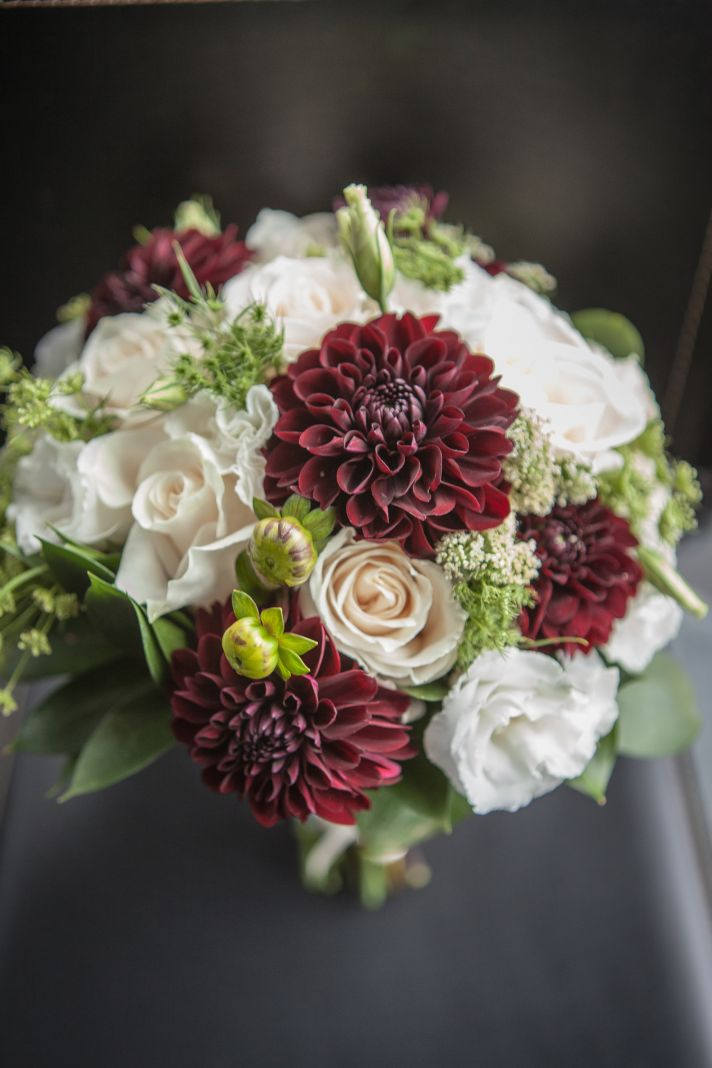 Bouquet with maroons and whites