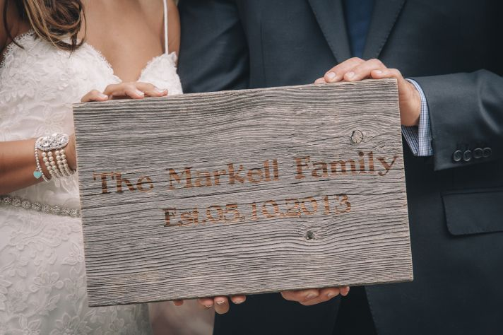 New family name sign