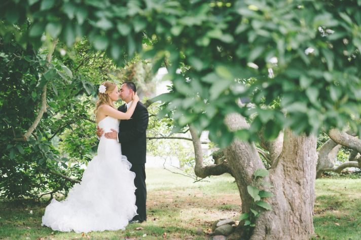 A Kiss Behind the Leaves