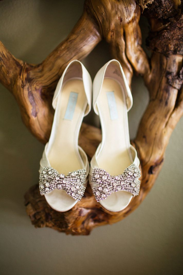Gorgeous Bridal Shoes with Blingy Bows