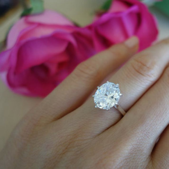 Oval Cut 8 Prong Engagement Ring