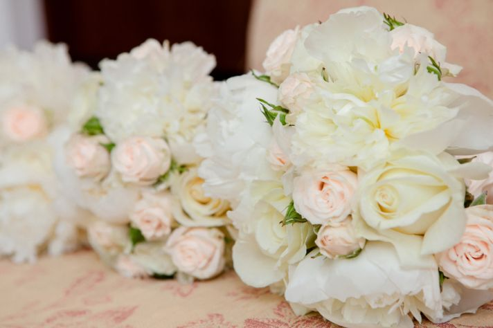 White and Pale Pink Rose Bouquets
