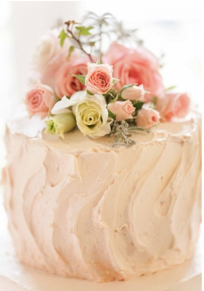 Rustic Wedding Cake with Live Flowers
