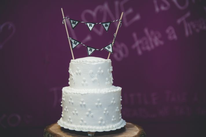 Sweet White Cake with Mr and Mrs Sign
