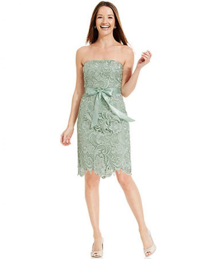 Short and Strapless Lace Bridesmaid Dress in Mint