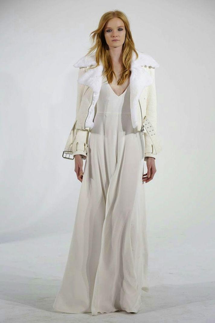 Winter whites gorgeous white wedding dresses for winter for Coats for wedding dresses
