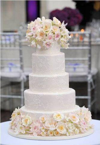Twisting  Tier Square Wedding Cake